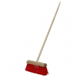"""VARIAN 13"""" Red Yard Brush with Wooden Handle 